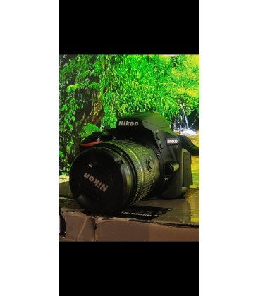 Nikon d5600 like new low Sutter count