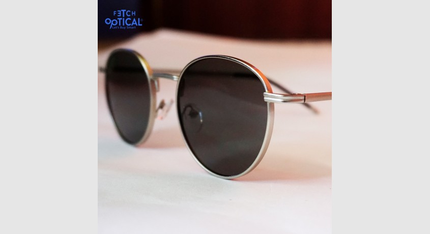 black-classic-style-unisex-sunglasses-big-0