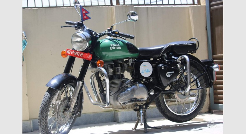 royal-enfield-350cc-bullet-big-0